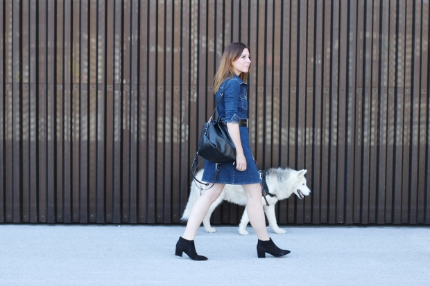 whoismocca-modeblog-fashionblogger-austrianblogger-hallhuber-store-opening-innsbruck-tirol-strick-cardigan-jeanskleid-kombinieren-booties-03