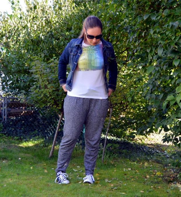 Outfit Jogginghose Jeansjacke 2