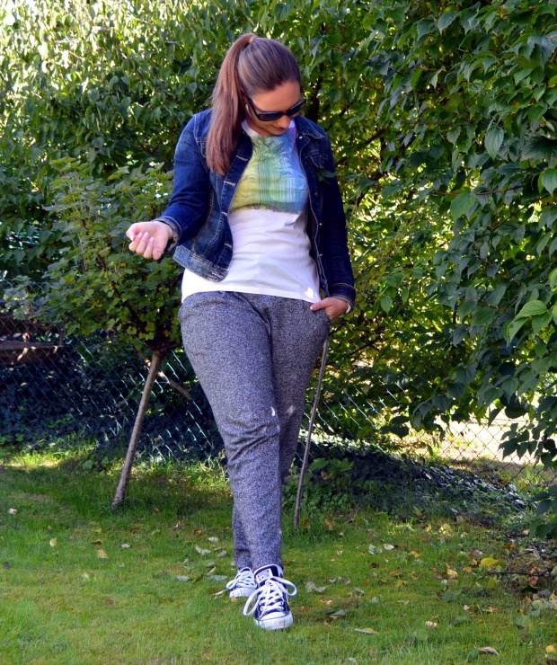 Outfit Jogginghose Jeansjacke 3