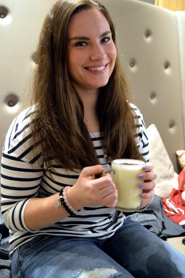 Blogger Breakfast Heiße Schokolade Selfie