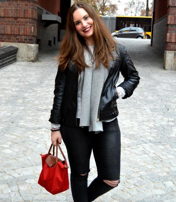 Outfit Lederjacke Pulli Chucks4