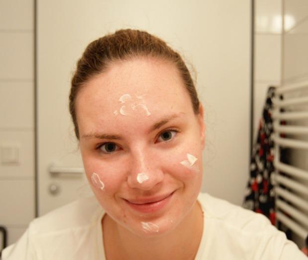 Gesichtspflegeroutine 1